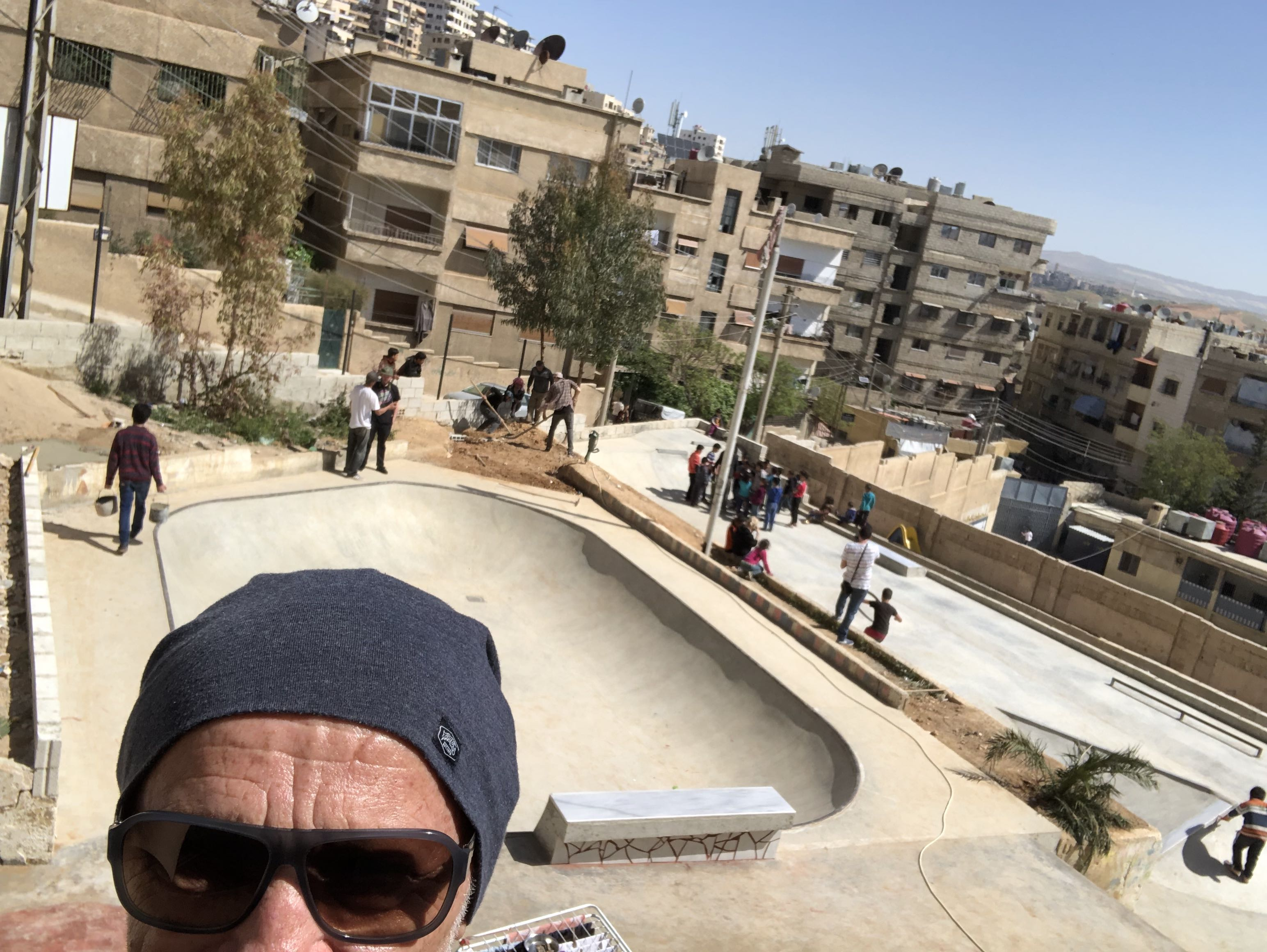 Vor dem neuen Skatepark in Damaskus