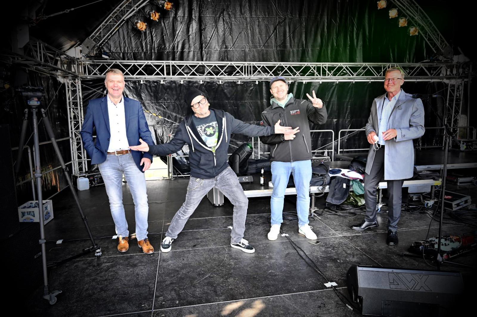 Die Bühne rocken :-)