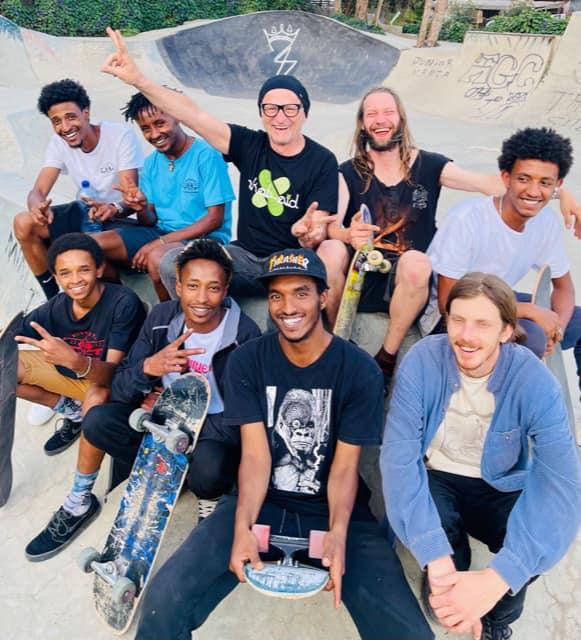 Mit den Jungs von Kushineta Skateboards