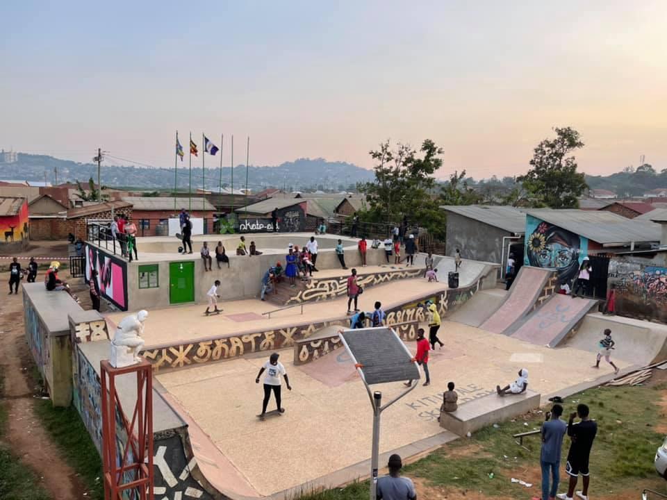 Der um eine Bowl erweiterte Skatepark in Kampala